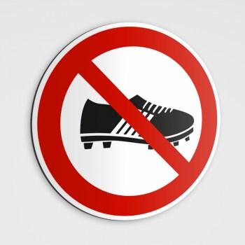Betreten mit Fußballschuhen verboten Schild Aufkleber
