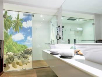 Glasrückwand Dusche mit eigenen Motiv