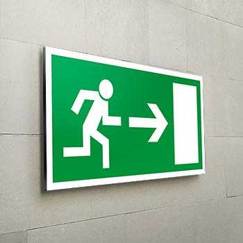 Rettungsweg nach rechts Schild  - Fluchtwege